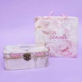 scatola découpage rosa e farfalla