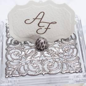 Scatola in vetro e argento